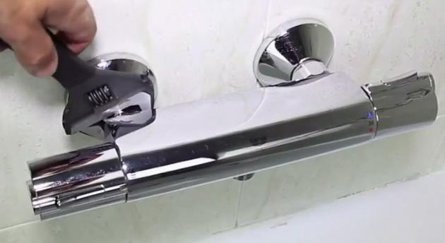 Baño General De Un Paciente En Ducha:Guia-de-instalación-grifo-de-ducha-bañera-o-termostaticojpg
