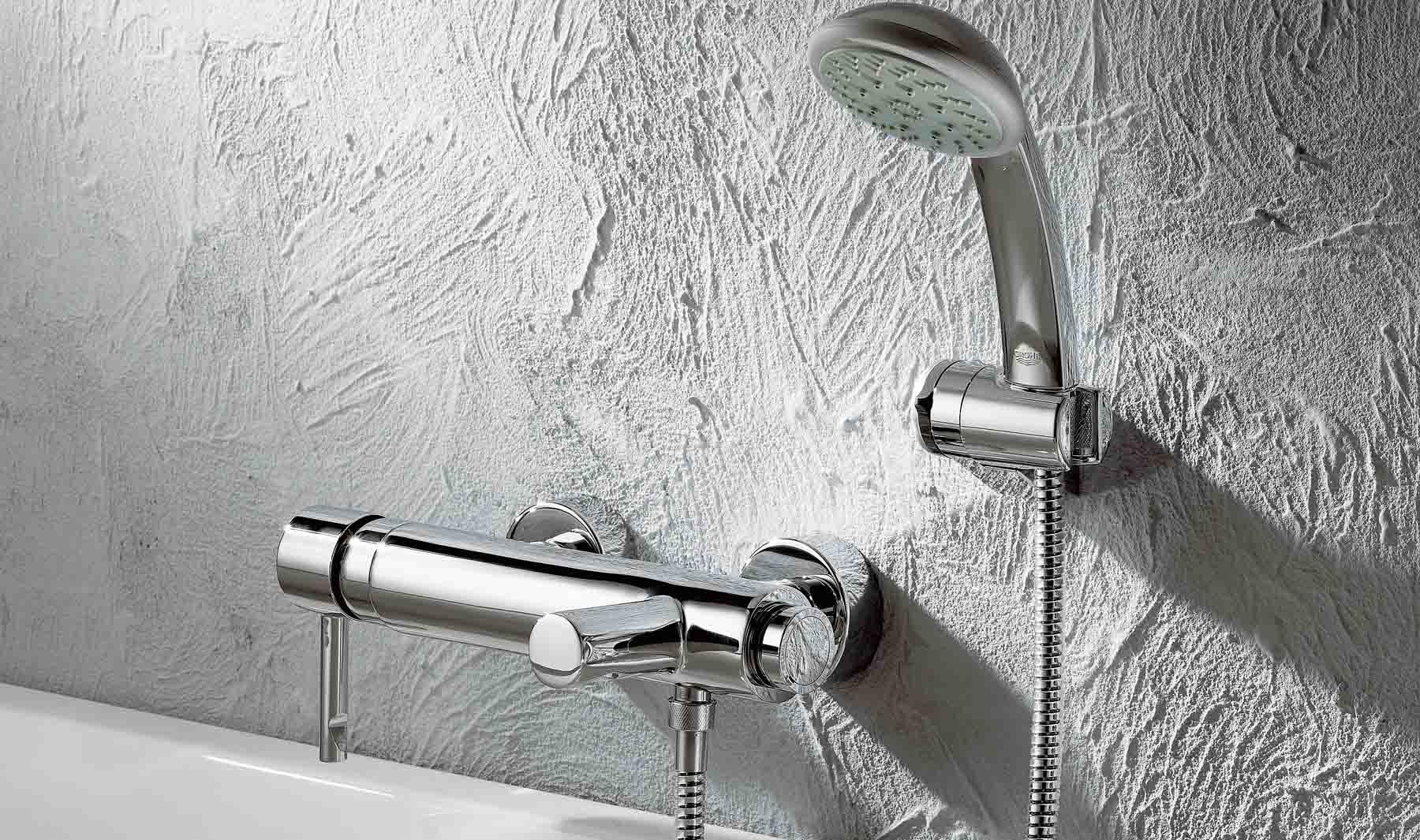 Elegir un tel fono de ducha flexo y conjunto completo for Telefono ducha grohe