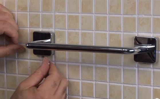 Accesorios Baño Inodoro:Cómo instalar accesorios de baño con taladro ?