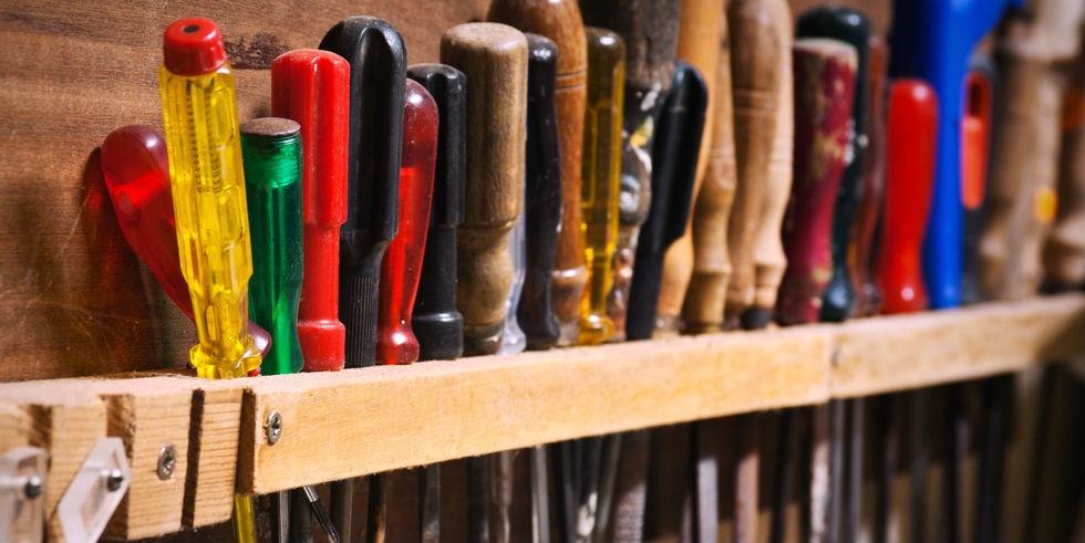 Las 8 herramientas manuales que toda casa necesita for Como aprender jardineria